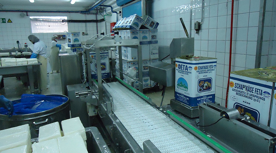 TURNING MACHINE FOR FETA CHEESE CONTAINERS