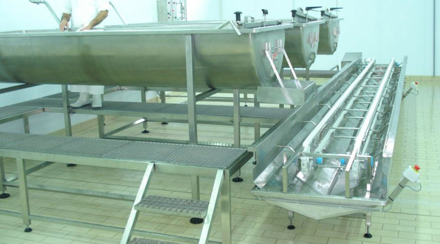 FETA CHEESE PRODUCTION WITH CHEESSE TANKS AND TROLLEY
