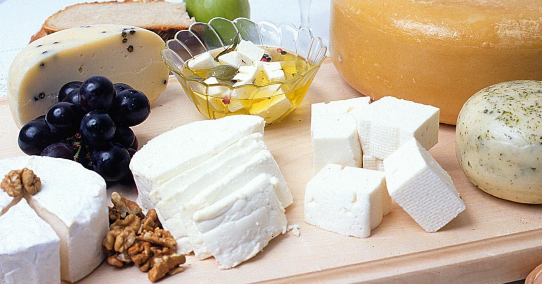 How-can-we-keep-cheese-fresh-in-the-fridge